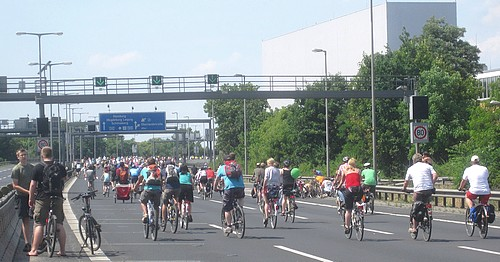 Post image for Home Exchange Berlin 2011:  The world's largest bicycle rally